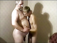Daddy porno clips - gay porno móvil