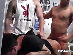 Gangbang clip porno - gratis twink video